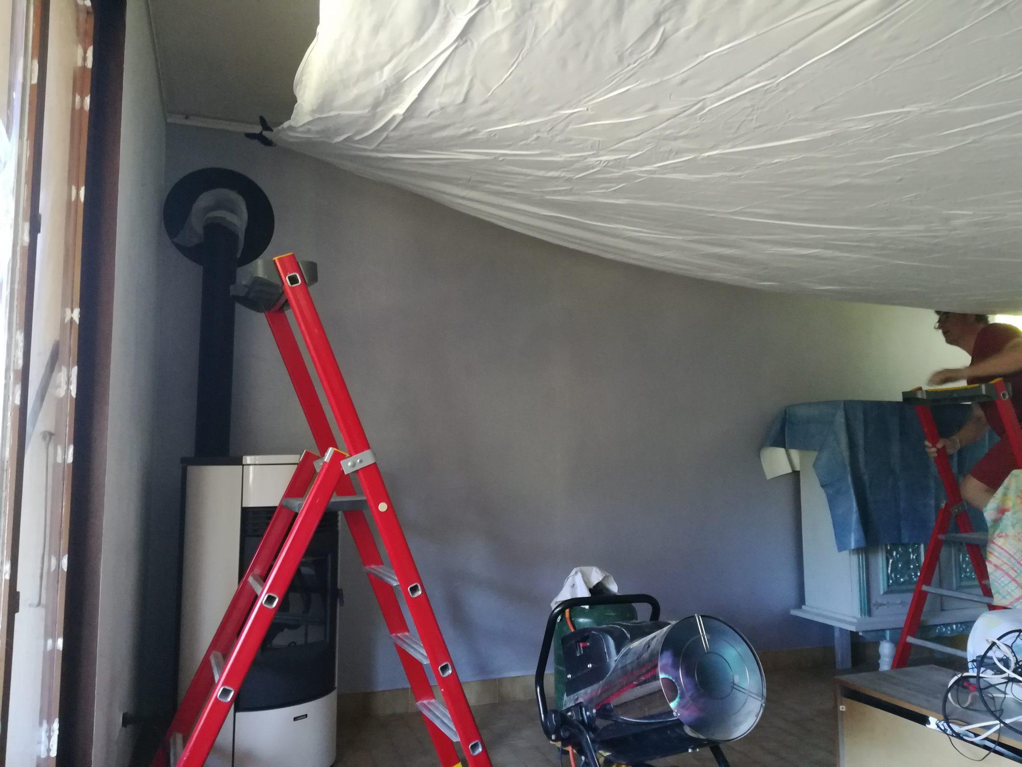 Toile À Enduire Plafond qu'est-ce que la pose d'un plafond tendu à chaud